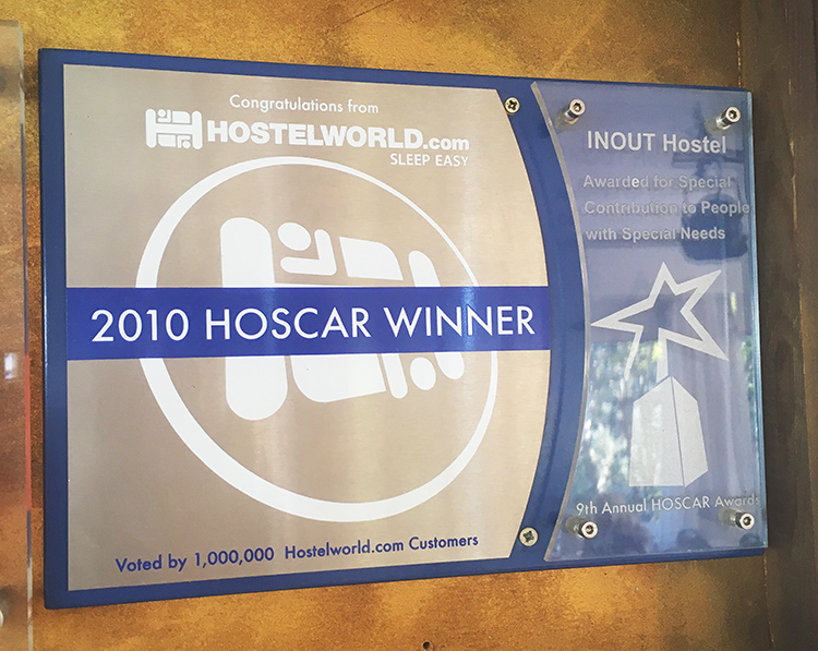 2010 Hoscar Winner - INOUT Hostel - Auberge durable